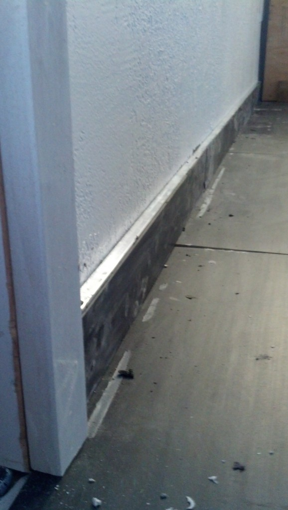 Close-up of the baseboard.
