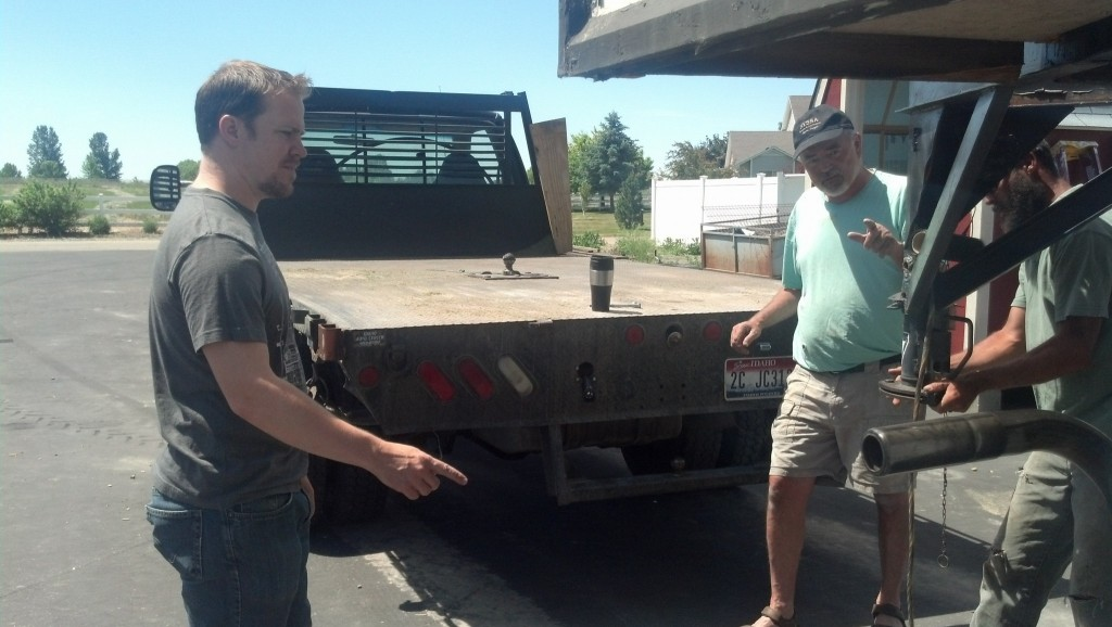 This is Jed's truck, you may remember Jed from other things such as my awesome gas stove, he pioneered that find!