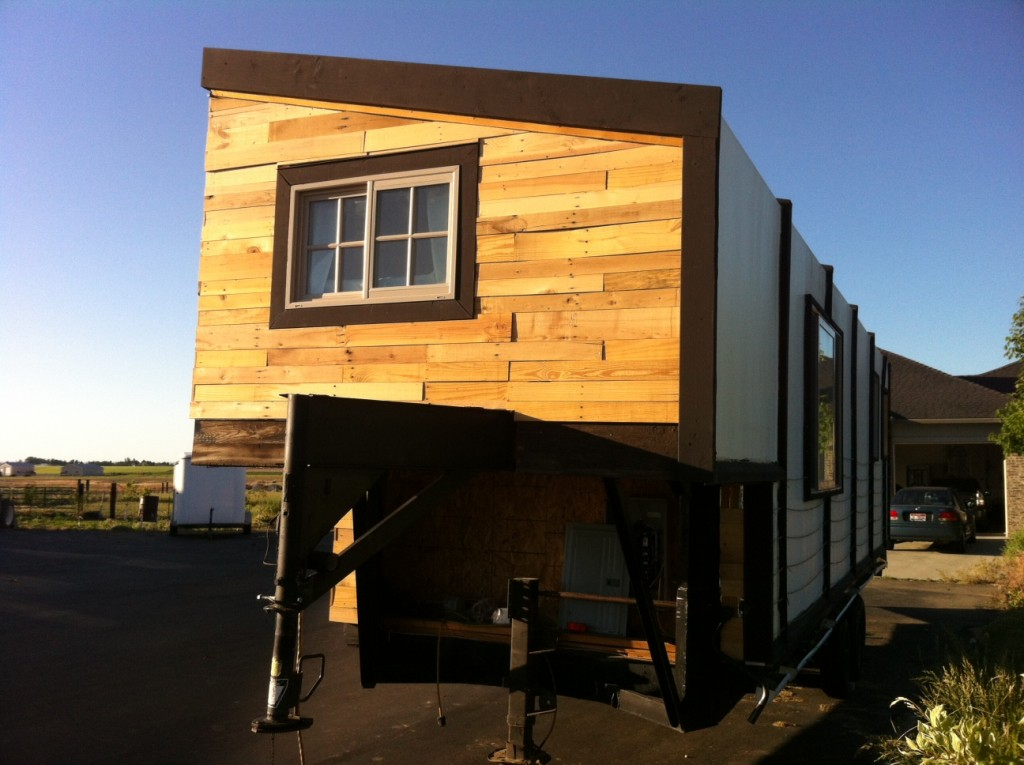 Other front (still have the electrical closet to finish, it'd in shadow here...