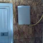 Here is that other panel, there is a power in and a 15 amp GFCI breaker in there only for the floor, so far so good :)