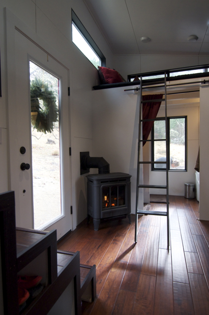 And this fire place I keep seeing I may just have to get one for next winter, I've been pondering it!