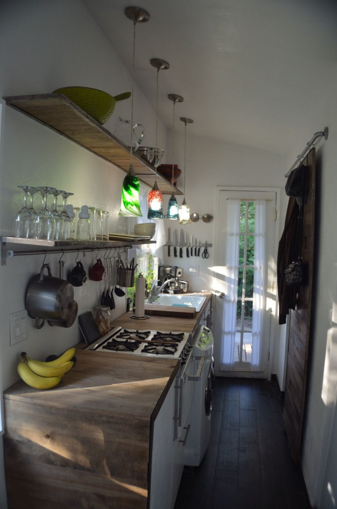 And the overall kitchen, bananas and all...