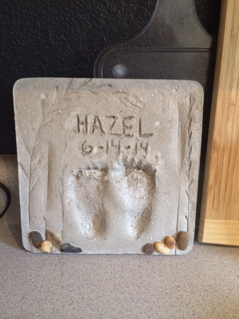 and the final product.  A garden steppingstone, Happy fathers day James,thanks for being a good dad! :)