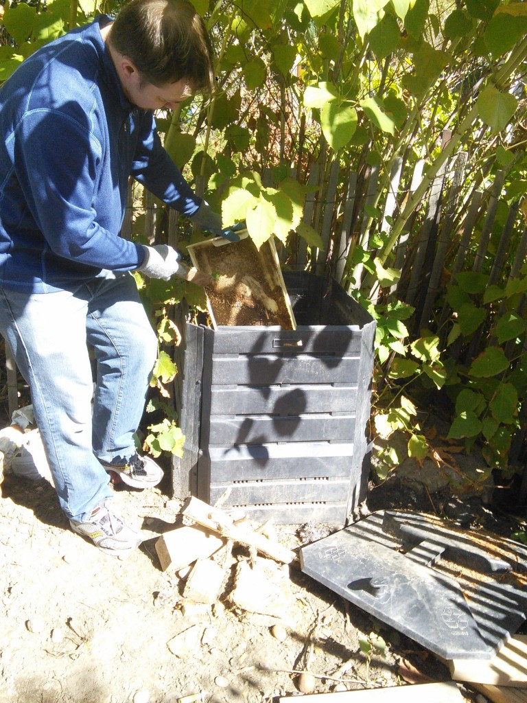 It involved grabbing the drawer after it had been sitting seperate from the rest of the compost, dumping it in our regulaar compost bin, rinsing it out and putting it back!  In a couple more months we will do it again... and divert all that waste away from the water reclamation site...