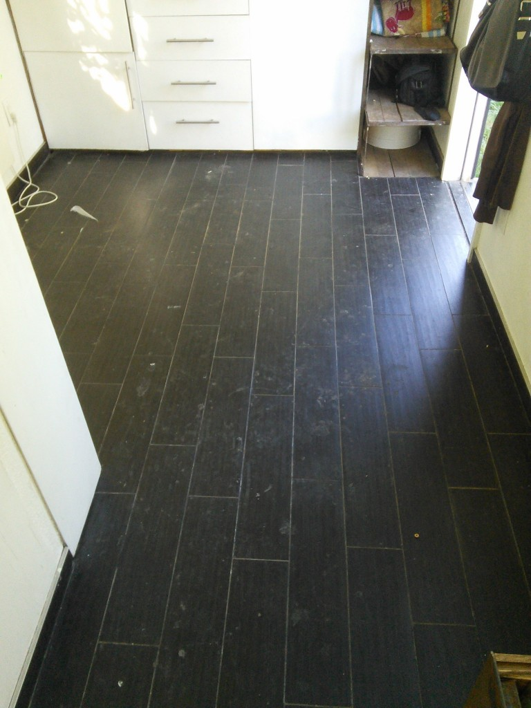 One last look at the tile... filthy filthy!
