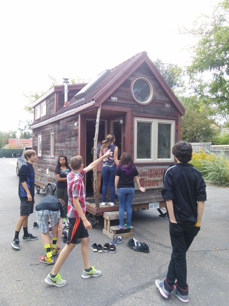 While Guillaume and Jenna were in town I talked them into stopping by our local 8th grade class who is doiing a tiny house project, they were great sports and the kiddos LOVED seeing a tiny house first hand!