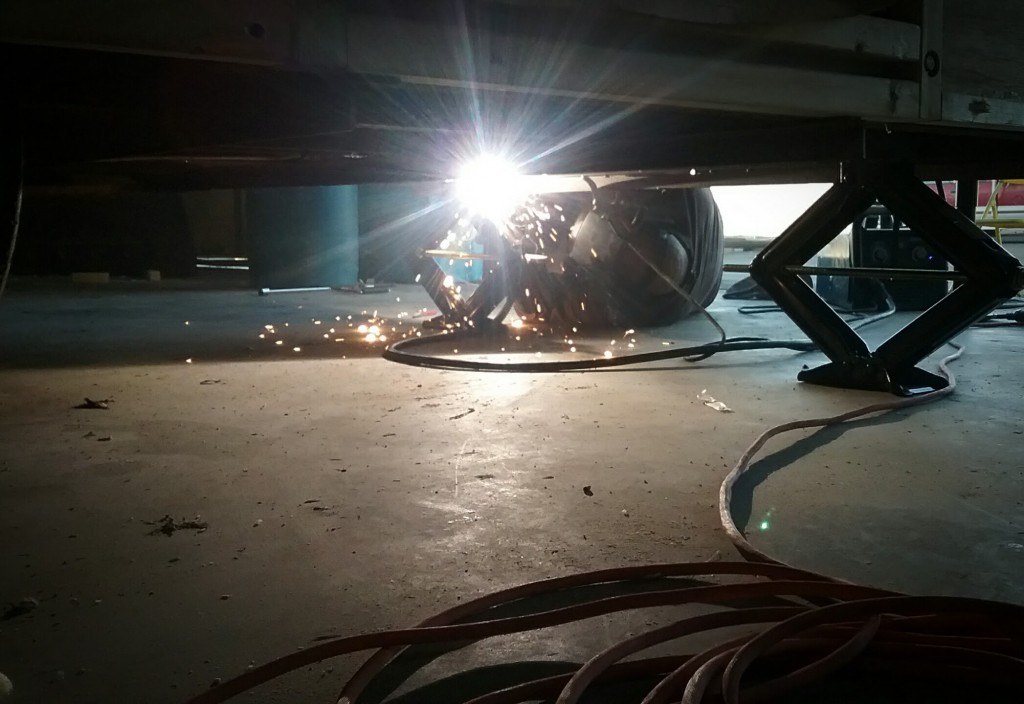 welding on the leveling jacks