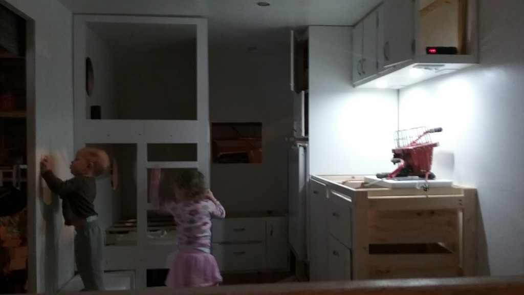 kitchen light only